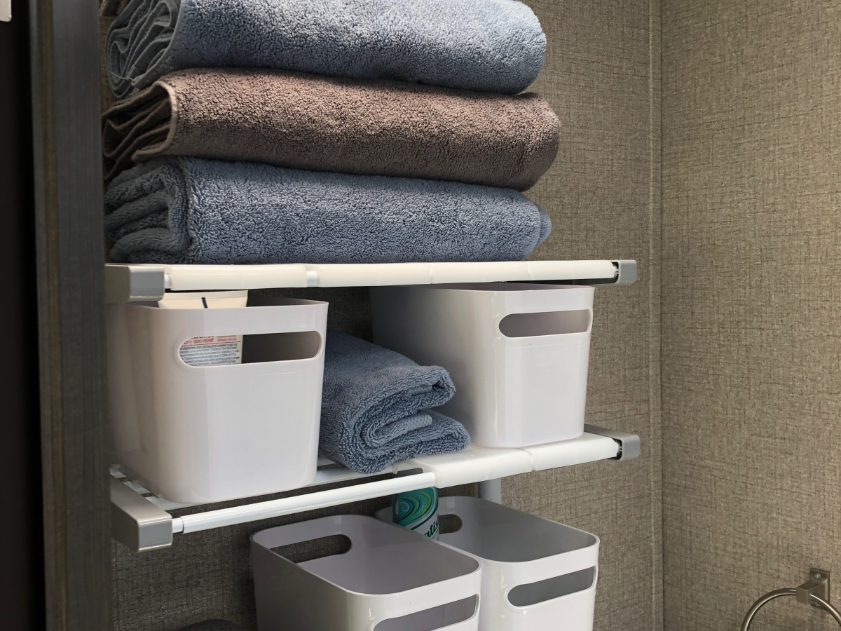 2020 Jayco Jay Flight SLX 8 212QB - bathroom shelves filled